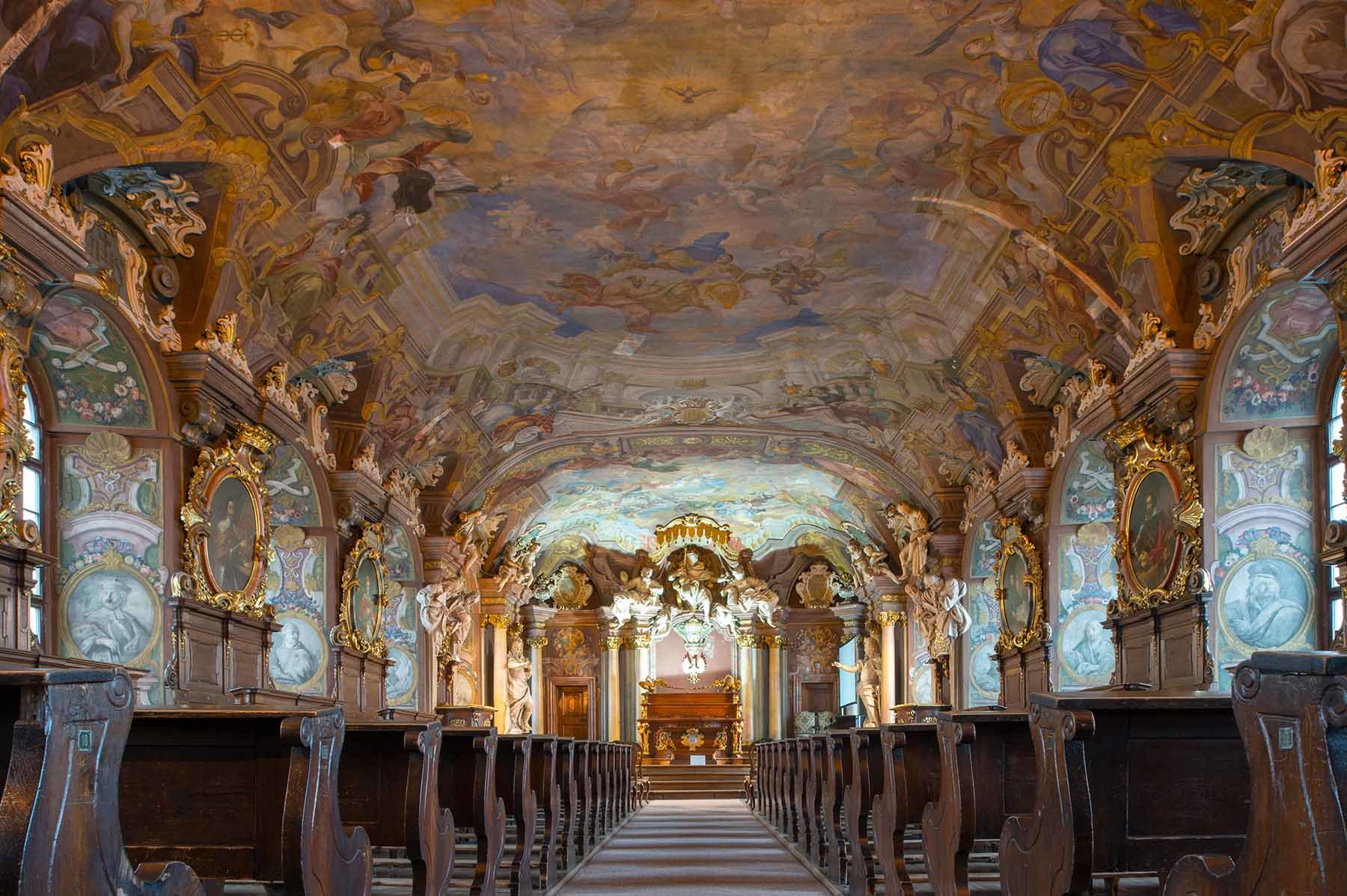 Barokowy wystrój w Aula Leopoldina na Uniwersytecie Wrocławskim