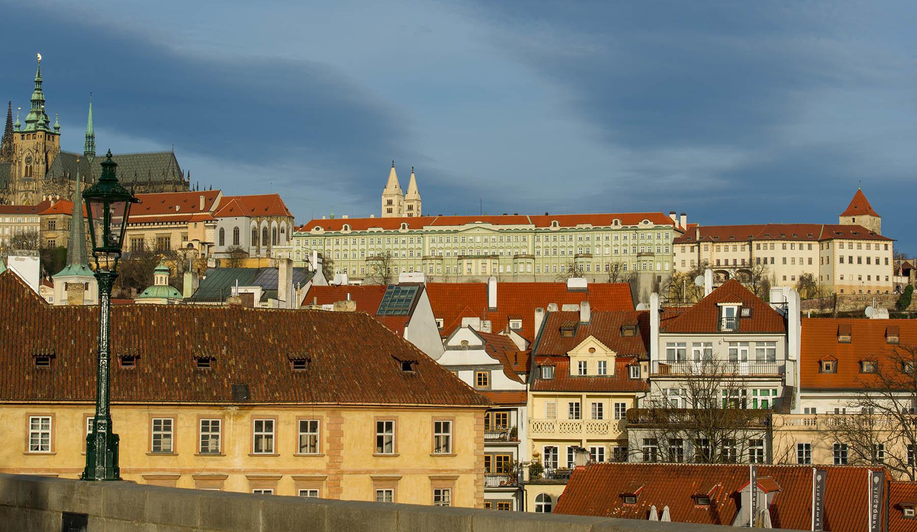 Czeski Hrad w słonecznej Pradze