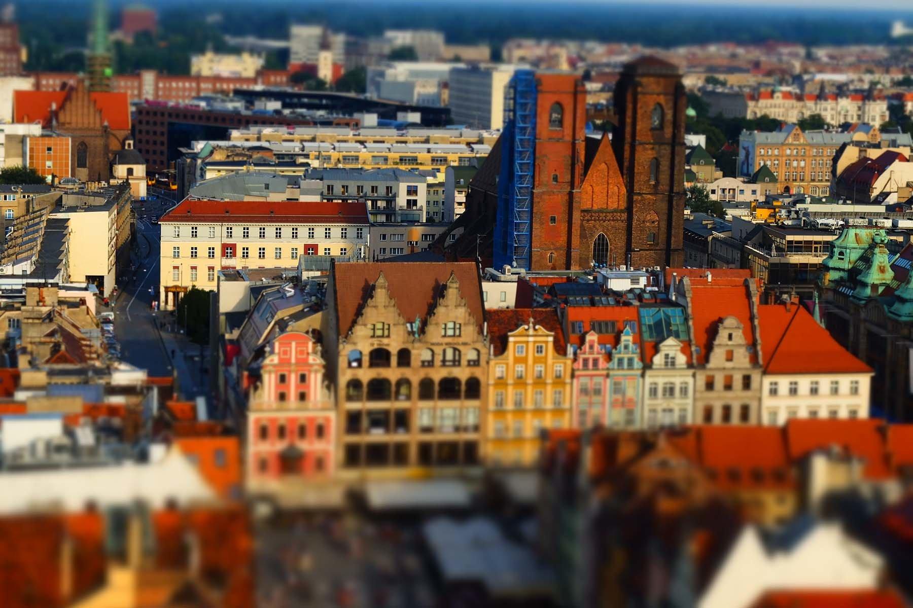 Test Nikona V2. Wrocławski rynek widok z wieży kościoła św. Elżbiety