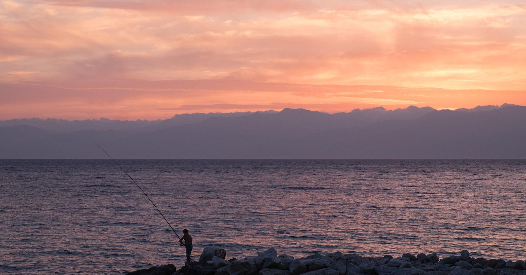Zachód słońca nad morzem w Lazzaro (Kalabria)
